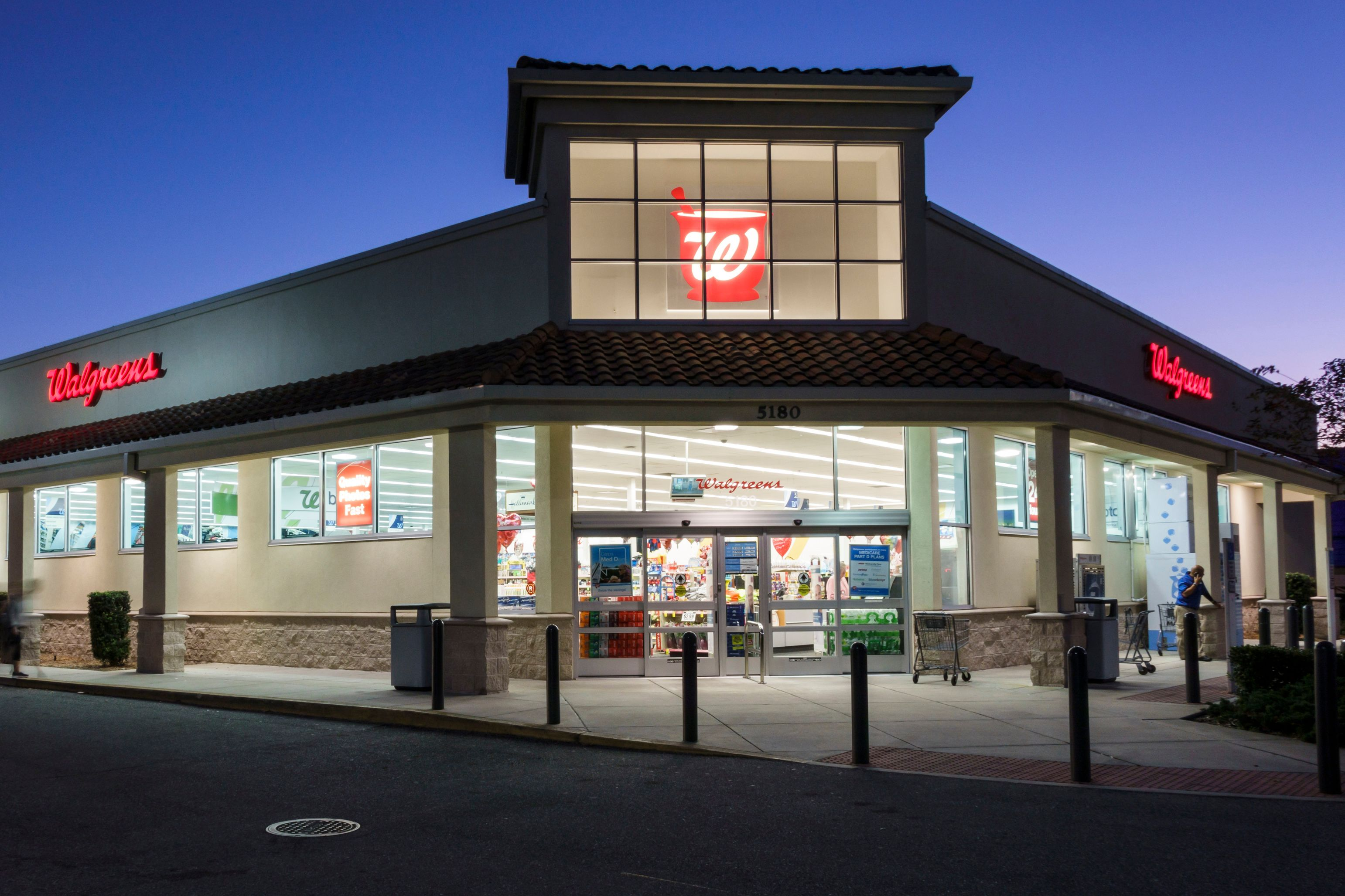 Walgreens to make bathrooms at all 8,100 stores